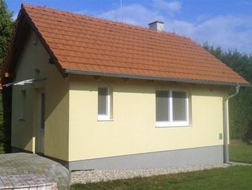bungalow - pohľad od záhrady