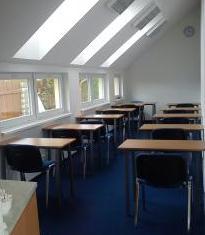 veľká školiaca miestnosť pre verejné kurzy PRINCE2, PMI na Slovensku